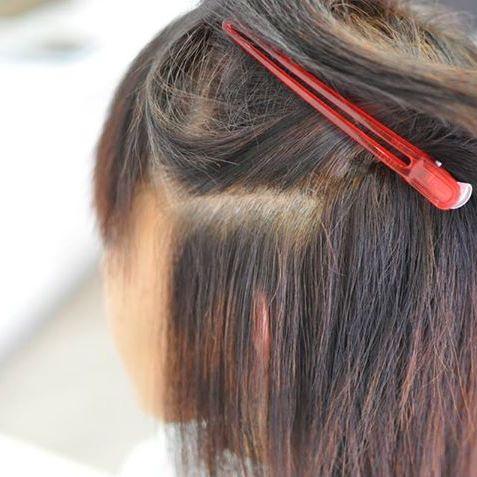 縮毛矯正とアルカリカラーをしてビビリ毛の修正